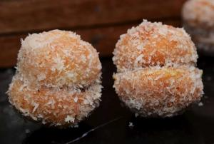 Sweet Coconut with Gem Cookie