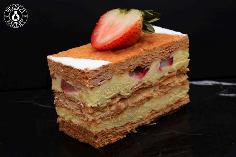 Strawberry Millefeuille Cake Mono
